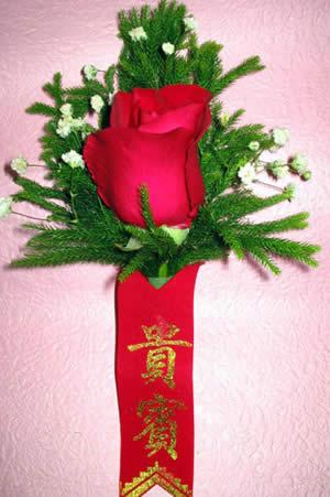 鲜花网-玫瑰胸花4