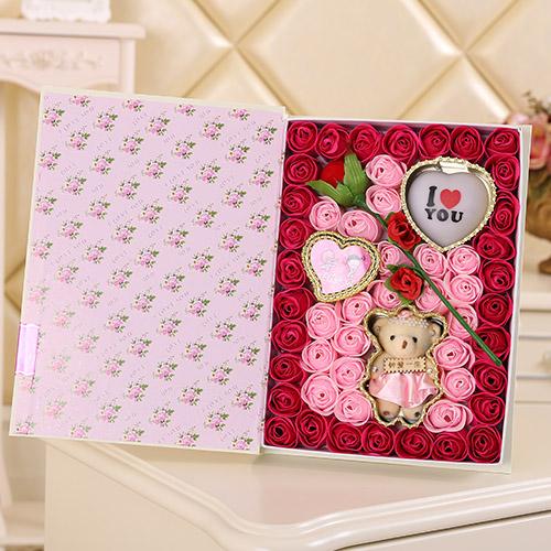 鲜花网站-香皂花一枝花+小熊 灯 玫红色