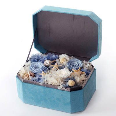网上鲜花快递-八角礼盒 三朵玫瑰蓝色礼盒