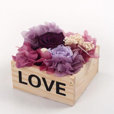 鲜花速递网-保鲜花木盒love深紫