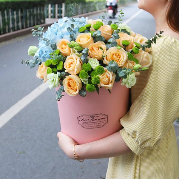鲜花店-多姿多彩